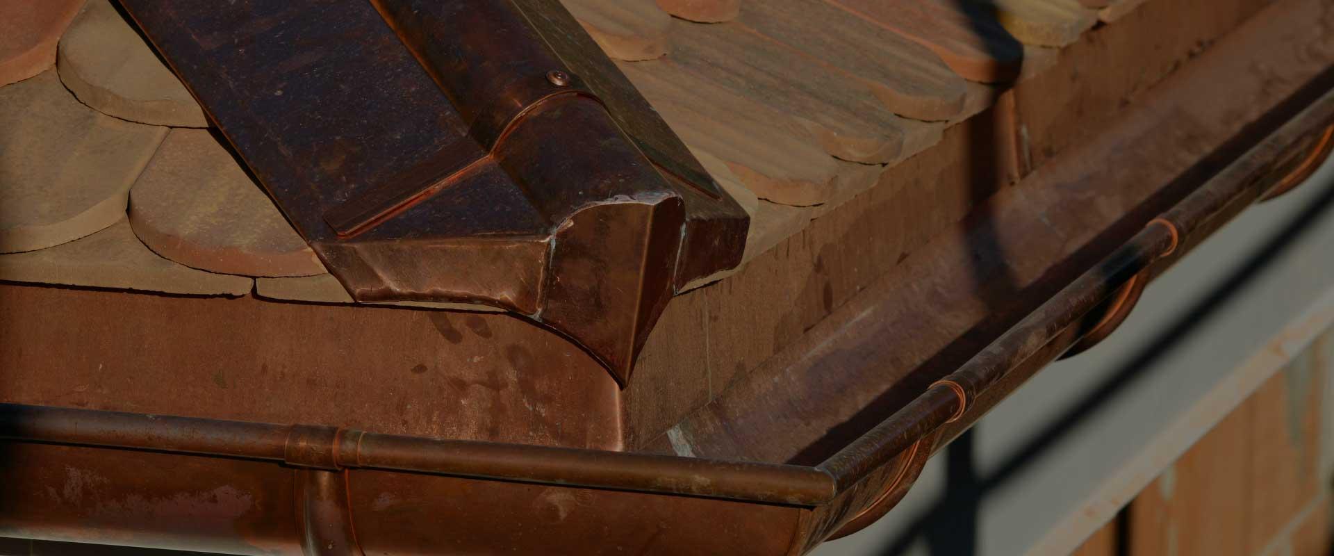 Macullo toiture<br />vu de près&#8230;