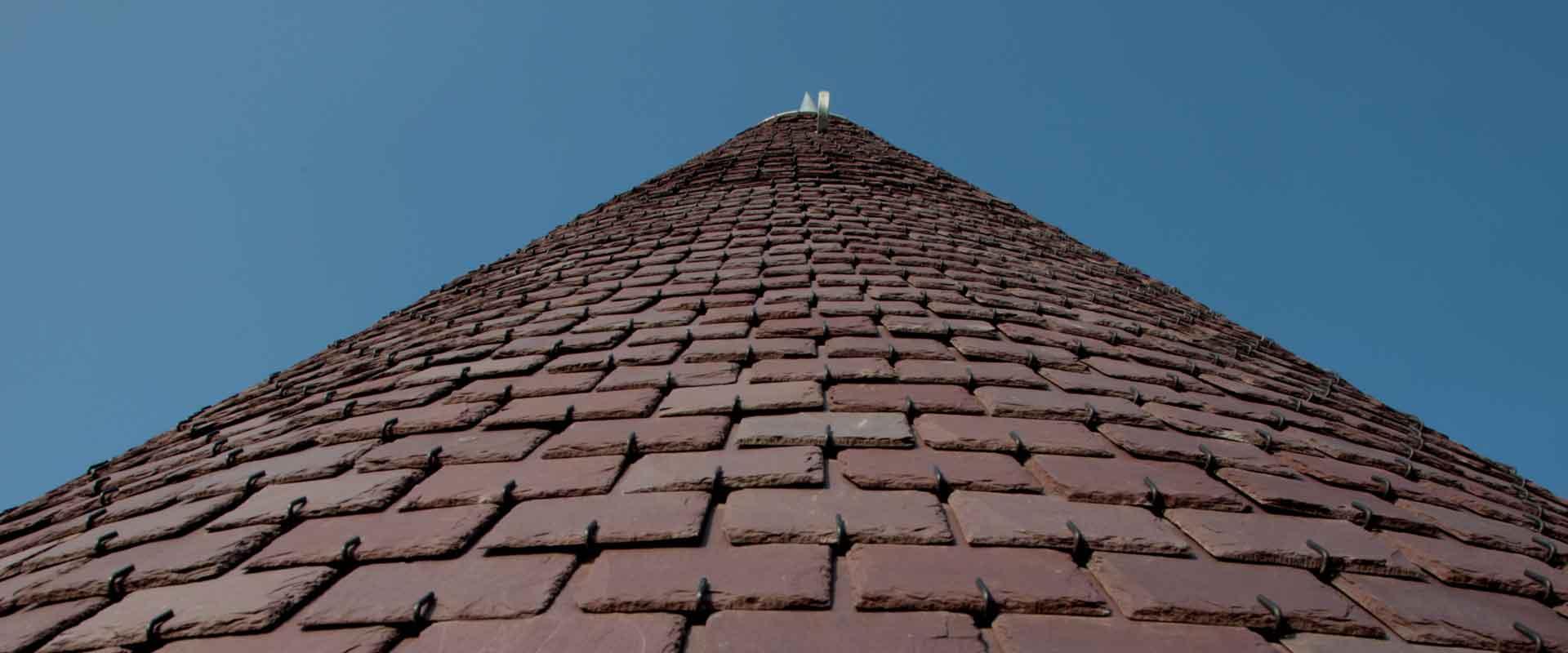 Macullo toiture<br />vu d&#8217;en bas&#8230;